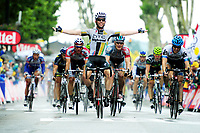 13/7/2011 Tour de France 2011.<br /> Stage 11 - BLAYE LES MINES to LAVAUR.<br /> Mark Cavendish raises his arms and celebrates his victory on stage 11.<br /> Photo: Offside / Pressesports. COPYRIGHT WARNING : THIS IMAGE IS RIGHTS MANAGED AND THE COPYRIGHT MAY SIT WITH A THIRD PARTY PLEASE CONTACT simon@swpix.com BEFORE DOWNLOAD AND OR USE