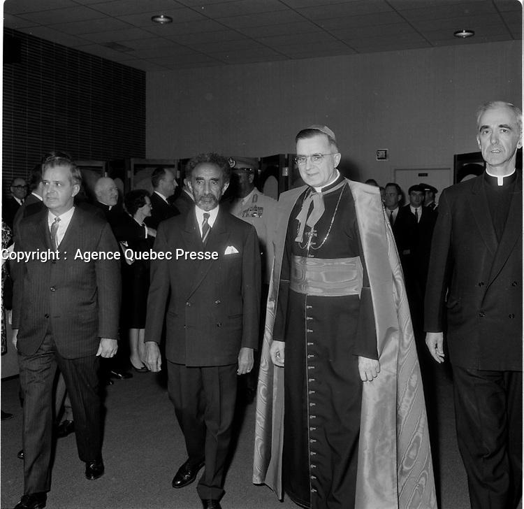 Jean-Jacques Bertrand lors de L'arrivée de Haile Selassie <br /> a Quebec, 3 mai 1967 en vue de l'Expo 67.<br /> <br /> Photo : Agence Quebec Presse
