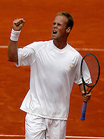 20030530, Paris, Tennis, Roland Garros, Martin Verkerk viert feest nadat hij Spadea heeft verslagen