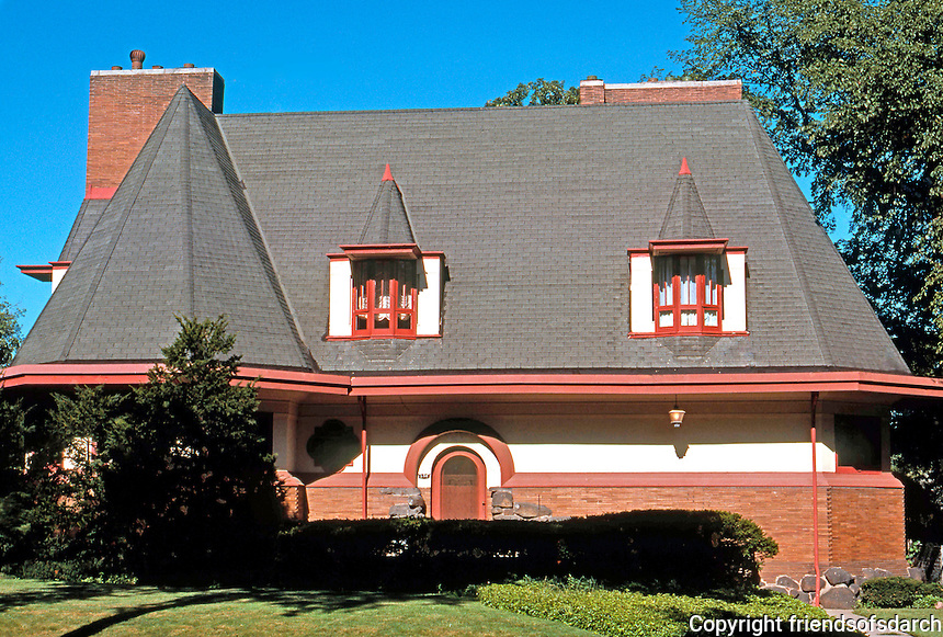 F.L. Wright: Williams House. 530 Edgeworth Place, River Forest, 1895.  Photo '76.
