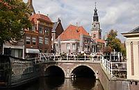 Nederland  Alkmaar- September 2020 . Gracht in het centrum van Alkmaar.  De Gewelfde Stenenbrug. Foto : ANP/ Hollandse Hoogte / Berlinda van Dam