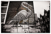 Big bird by artist Roa on a building wall, Shoreditch, East London http://www.vivecakohphotography.co.uk/2011/04/06/2982/