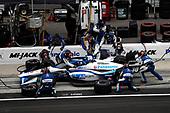 #30: Takuma Sato, Rahal Letterman Lanigan Racing Honda, pit stop