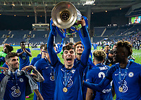 Kai Havertz of Chelsea celebrates with the winning trophy during the UEFA Champions League Final match between Manchester City and Chelsea at The Estadio do Dragao, Porto, Portugal on 29 May 2021. PUBLICATIONxNOTxINxUK Copyright: xAndyxRowlandx PMI-4238-0255 <br /> Oporto 29/05/2021 <br /> Champions League Final <br /> Manchester City Vs Chelsea <br /> Photo Imago/Insidefoto <br /> ITALY ONLY