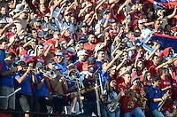 MEDELLÍN -COLOMBIA-22-02-2015. Seguidores  de Independiente Medellín corean a su equipo durante el encuentro con La Equidad por la fecha 5 de la Liga Águila I 2015 jugado en el estadio Atanasio Girardot de la ciudad de Medellín./ Followers of Independiente Medellin sing to their team during match against La Equidad for the  5th date of the Aguila League I 2015 at Atanasio Girardot stadium in Medellin city. Photo: VizzorImage/León Monsalve/STR