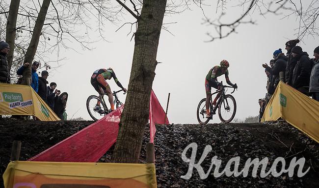 mirroring teammates Jens Adams (BEL/Crelan-Vastgoedservice) & Tim Merlier (BEL/Crelan-Vastgoedservice)<br /> <br /> 2016 CX UCI World Cup Zeven (DEU)