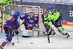David Wolf (Nr.89 - Adler Mannheim), Torwart Felix Brückmann (Nr.90 - Adler Mannheim) und Ryan Kuffner (Nr.12 - ERC Ingolstadt)