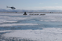 """Sunday March 11, 2007   ----    The Iditarod """"Insider"""" video crew gets a great view of Jeff King as he nears Unalakleet on Sunday afternoon.  Subscribe to the """"Iditarod Insider"""" for up to the minute coverage from the trail."""