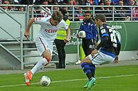 Patrick Helmes (KOeln) gegen Mathew Leckie (FSV) - FSV Frankfurt vs. 1. FC Koeln, Frankfurter Volksbank Stadion
