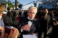 """Michael Douglas - Montee des marches du film """"Ma vie avec Liberace"""" lors du 66eme Festival du film de Cannes le 21 mai 2013 Jessica Chastain arrives at the screening of the film """"Behind the Candelabra"""" during the 66th annual Cannes International Film Festival in Cannes, France on May 21, 2013. .Cannes 21/5/2013 .66mo Festival del Cinema di Cannes 2013 .Foto Panoramic / Insidefoto .ITALY ONLY"""