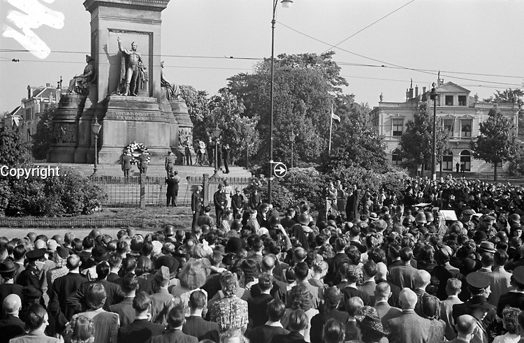 the first commemoration of the dead after the liberation on Plein 1813
