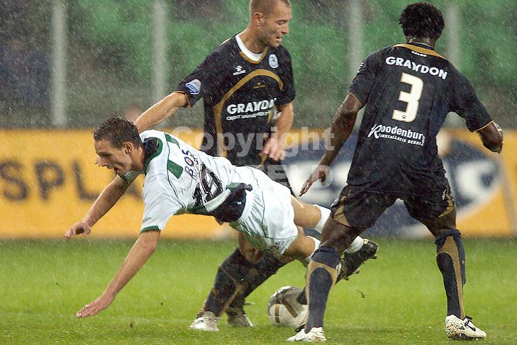 groningen - sparta  eredivisie seizoen 2007-2008 29-09- 2007 matavz gevloerd door adeleye en schenkel *** Local Caption ***