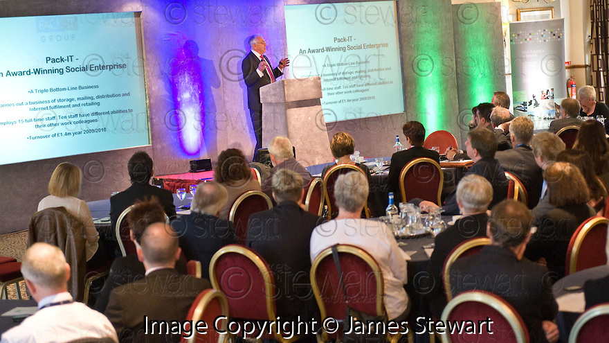 24/09/2010   Copyright  Pic : James Stewart.025_fbp_conf_2010  .::  FALKIRK BUSINESS PANEL :: 2010 CONFERENCE ::  SPEAKERS :: DELEGATES LISTEN TO JOHN BENNETT, CHIEF EXECUTIVE, WELSH SOCIAL ENTERPRISE COALITION & FORMER MANAGING DIRECTOR, PACK IT ::.
