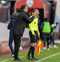 21st November 2020, Oakwell Stadium, Barnsley, Yorkshire, England; English Football League Championship Football, Barnsley FC versus Nottingham Forest; Valérien Ismaël manager of Barnsley encourages from the sidelines