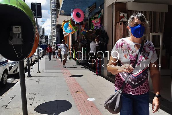Campinas (SP), 04/01/2021 - Comércio-SP - Movimento no centro de Campinas, interior de São Paulo, após volta do estado para a fase amarela do Plano São Paulo, nesta segunda-feira (04).