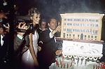 VALENTINO GARAVANI CON CLAUDIA SCHIFFER<br /> MOSTRA VALENTINO IN CAMPIDOGLIO E BALLO A VILLA MEDICI ROMA 1991