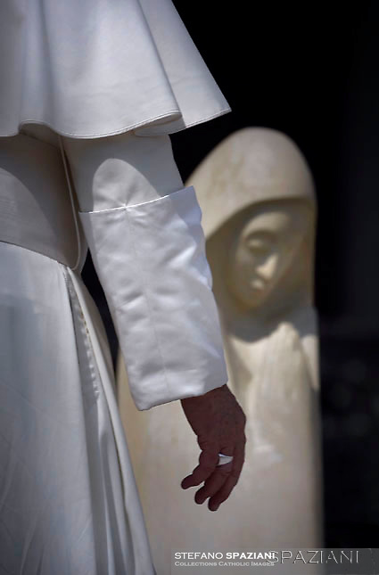 Pope Francis Statua sant'Agnese di Boemia,during Jubilee Audience at St Peter's square in Vatican. on September 10, 2016.