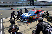 #18: Jeffrey Earnhardt, Joe Gibbs Racing, Toyota Supra iK9 makes a pit stop