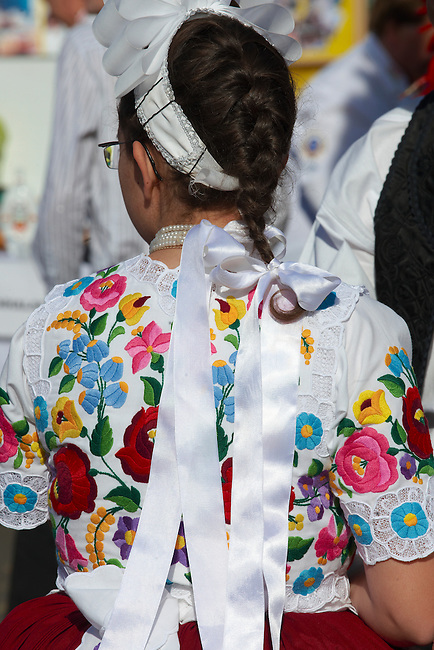 People in regional dress from  Kalocsa, Dél Alfodi Régio (South Alfoldi ) Kalocsa - Hungarian Regional Gastronomic Festival 2009 - Gyor ( Gy?r ) Hungary