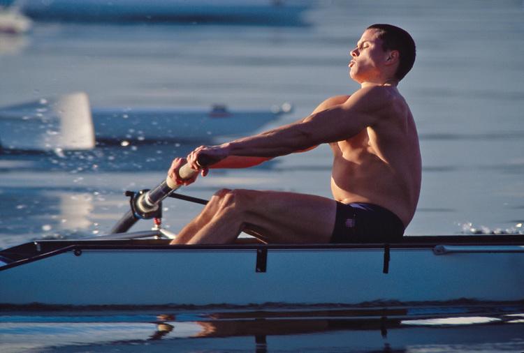 Rowing, Crew, Seattle, University of Washington, men?s four workout, Bob Cummins, at full pressure, Lake Washington, 1997.