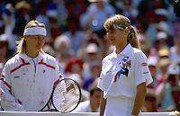 1993, Tennis, Wimbledon, Jana Novotna and Steffie Graf before the final.