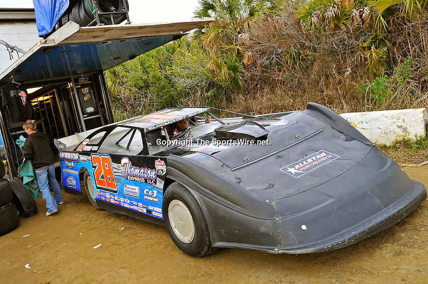 Feb 12, 2011; 5:37:51 PM; Gibsonton, FL., USA; The Lucas Oil Dirt Late Model Racing Series running The 35th annual Dart WinterNationals at East Bay Raceway Park.  Mandatory Credit: (thesportswire.net)