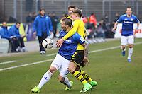 Dzenis Burnic (Borussia Dortmund) hält Jerome Gondorf (SV Darmstadt 98)- 11.02.2017: SV Darmstadt 98 vs. Borussia Dortmund, Johnny Heimes Stadion am Boellenfalltor