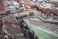 Mercato di Cotonou, vista dall'alto delle baracche di lamiera