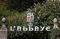 Europe/France/Rhône-Alpes/74/Haute-Savoie/Talloires: Enseigne de l'Hôtel-Restaurant:  L'Abbaye [Non destiné à un usage publicitaire - Not intended for an advertising use]