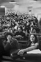 - student assembly at Polytechnic University (Milan, February 1977 )....- assemblea studentesca all'Università Politecnico  (Milano, febbraio 1977)