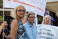 Prozess gegen die Berliner Gynaekologinnen Bettina Gaber und Verena Weyer am Freitag den 14. Juni 2019 vor dem Amtsgericht Berlin. Die Aerztinnen sollen auf ihrer Internetseite fuer Schwangerschaftsabbrueche geworben und damit gegen das Werbeverbot fuer Schwangerschaftsabbrueche verstossen haben. Bettina Gaber und Verena Weyer hatten auf ihrer Homepage ihrer Praxis angegeben, dass ein medikamentoeser, narkosefreier Schwangerschaftsabbruch zu den Leistungen gehoere.<br /> Im Bild vlnr.: Bettina Gaber und Verena Weyer vor dem Prozess.<br /> 14.6.2019, Berlin<br /> Copyright: Christian-Ditsch.de<br /> [Inhaltsveraendernde Manipulation des Fotos nur nach ausdruecklicher Genehmigung des Fotografen. Vereinbarungen ueber Abtretung von Persoenlichkeitsrechten/Model Release der abgebildeten Person/Personen liegen nicht vor. NO MODEL RELEASE! Nur fuer Redaktionelle Zwecke. Don't publish without copyright Christian-Ditsch.de, Veroeffentlichung nur mit Fotografennennung, sowie gegen Honorar, MwSt. und Beleg. Konto: I N G - D i B a, IBAN DE58500105175400192269, BIC INGDDEFFXXX, Kontakt: post@christian-ditsch.de<br /> Bei der Bearbeitung der Dateiinformationen darf die Urheberkennzeichnung in den EXIF- und  IPTC-Daten nicht entfernt werden, diese sind in digitalen Medien nach §95c UrhG rechtlich geschuetzt. Der Urhebervermerk wird gemaess §13 UrhG verlangt.]