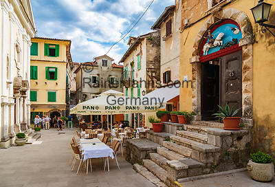 Croatia, Kvarner Gulf, Opatija, district Lovran: historic centre   Kroatien, Kvarner Bucht, Opatija, Ortsteil Lovran: historischer Ortskern