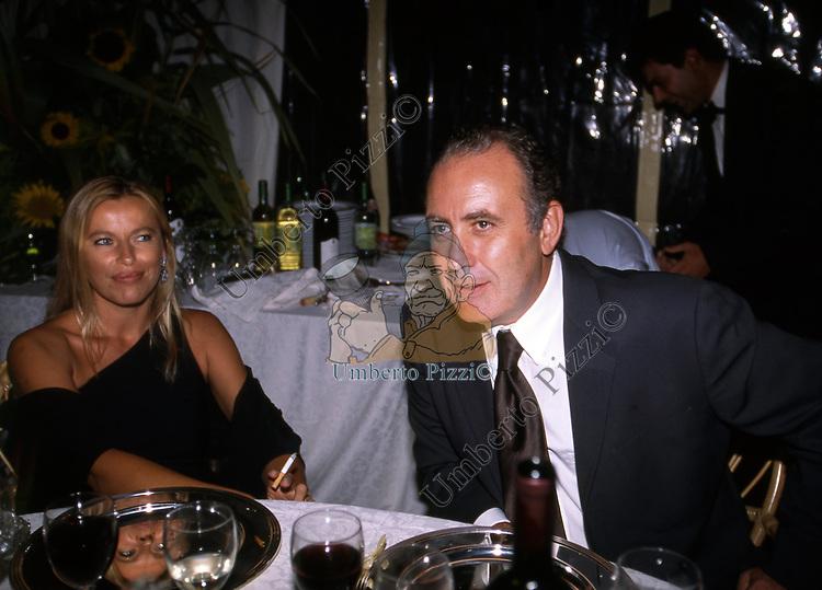 MICHELE SANTORO CON LA MOGLIE<br /> FESTA PER I 60 ANNI DI MAURIZIO COSTANZO<br /> MANEGGIO DI GIANNELLA  1998