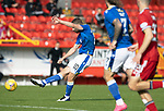 Aberdeen v St Johnstone…18.09.21  Pittodrie    SPFL<br />David Wotherspoon shoots wide<br />Picture by Graeme Hart.<br />Copyright Perthshire Picture Agency<br />Tel: 01738 623350  Mobile: 07990 594431