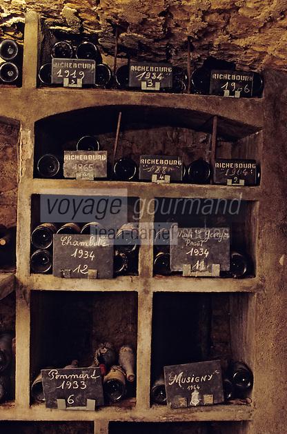 Europe/France/Bourgogne/21/Côte d'Or/Nuits Saint Georges: Les caves de la maison Charles Vienot - Vieilles bouteilles de Richebourg, Chambolle, Pommard, Nuits St George Paget et Musigny
