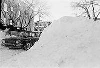 Tempete de neige, 17 decembre 1972<br /> <br /> PHOTO : Agence Quebec Presse -  Alain Renaud