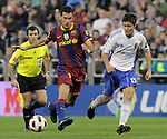 FC Barcelona's Sergio Busquets (l) and Real Zaragoza's Ander Herrera during La Liga match.October 23,2010. (ALTERPHOTOS/Acero)
