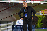 IBAGUE - COLOMBIA, 06-10-2020: Hernan Torres técnico del Tolima gesticula durante partido entre Deportes Tolima y Millonarios por la fecha 12 de la Liga BetPlay DIMAYOR 2020 jugado en el estadio Manuel Murillo Toro de la ciudad de Ibagué. / Hernan Torres coach of Tolima gestures during match between Deportes Tolima and Millonarios for the date 12 as part BetPlay DIMAYOR League 2020 played at Manuel Murillo Toro stadium in Ibague city.  Photo: VizzorImage / Joan Stiven Orjuela / Cont