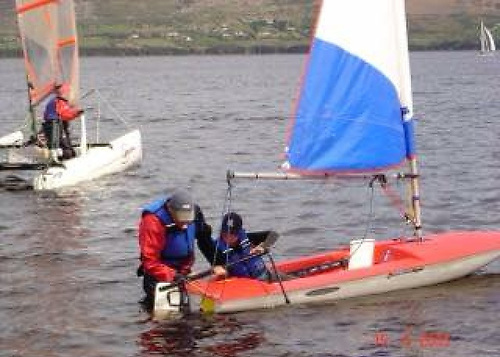 A very young Finn Lynch takes his first sail as an absolute beginner with a Topper at Blessington