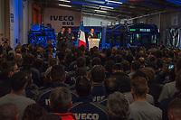 DISCOURS DE FRANCOIS HOLLANDE DEVANT DES SALARIES - DEPLACEMENT DU PRESIDENT DE LA REPUBLIQUE FRANCOIS HOLLANDE A IVECO BUS -