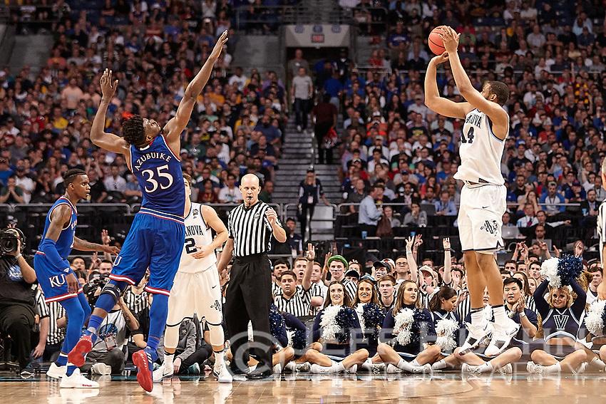 SAN ANTONIO, TX - MARCH 31, 2018: The Villanova University Wildcats defeat the Kansas University Jayhawks 95-79 in the second Semi-Final of the NCAA Men's Basketball Final Four at the Alamodome. (Photo by Jeff Huehn)