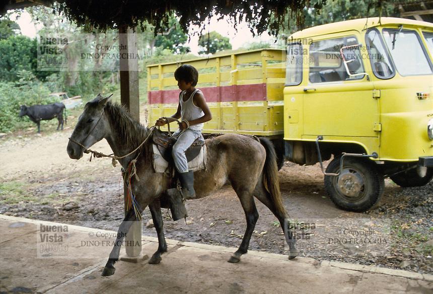- child on horse in Bluefields town, on the Atlantic coast ....- bambino a cavallo nella città di Bluefields, sulla costa atlantica