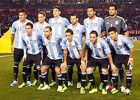 BUENOS AIRES - ARGENTINA - 07-06-2013:Los jugadores de Argentina posan para una foto durante partido en estadio Monumental Antonio Vespucio Liberti, Buenos Aires Argentina, junio 7 de 2013. Argentina y Colombia disputan partido por la clasificación a la Copa Mundo FIFA Brasil 2014 (Foto: Photogamma / Javier Garcia Martino/ Vizzorimage). The players of Argentina pose for a photo during game at Antonio Vespucio Liberti Monumental Stadium, Buenos Aires, Argentina, June 7, 2013. Argentina and Colombia dispute the qualifier match for the 2014 FIFA World Cup Brazil. (Photo: Photogamma / Javier Garcia Martino/ Vizzorimage)