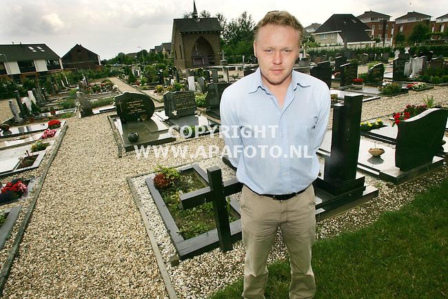 Randwijk 070705 johan doeze jager heeft het plan opgevat om in de limburgse mijnen een kerkhof te bouwen.<br />Foto frans ypma APA-foto