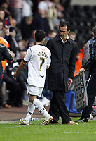 Pictured: Leon Britton speaks with Roberto Martínez Manager of Swansea City<br /> Re: Coca Cola Championship, Swansea City Football Club v Southampton at the Liberty Stadium, Swansea, south Wales 25 October 2008.<br /> Picture by Dimitrios Legakis Photography, Swansea, 07815441513