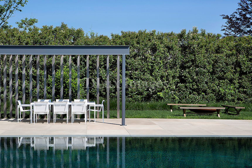 outdoor white dining table