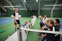 Januari 24, 2015, Rotterdam, ABNAMRO, Supermatch, Diwon de Haan taks his fans<br /> Photo: Tennisimages/Henk Koster