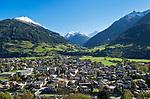 Oesterreich, Salzburger Land, Pinzgau, Stadt Mittersill an der Salzach vor den Hohen Tauern | Austria, Salzburger Land, Pinzgau, Mittersill: town at river Salzach with Hohe Tauern mountains