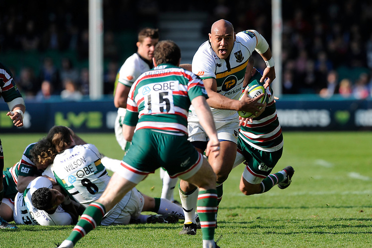 Soane Tonga'uiha of Northampton Saints charges for the line as Geordan Murphy of Leicester Tigers blocks his path during the LV= Cup Final match between Leicester Tigers and Northampton Saints at Sixways Stadium, Worcester on Sunday 18 March 2012 (Photo by Rob Munro, Fotosports International)