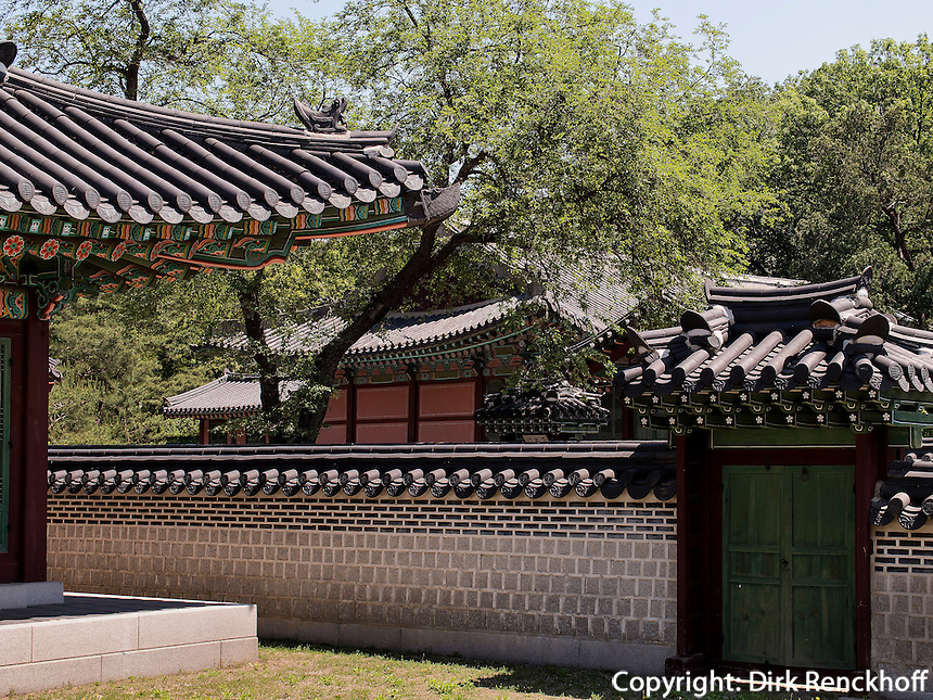 Dächer im Changdeokgung Palast, Seoul, Südkorea, Asien, UNESCO-Weltkulturerbe<br /> roof s in palace Changdeokgung,  Seoul, South Korea, Asia UNESCO world-heritage